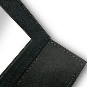 PUスタンドミラー|内面の黒生地は高級感のあるフェルト調