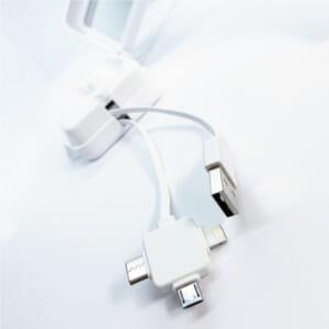 3 in 1 USBケーブル 3種類のコネクタに対応